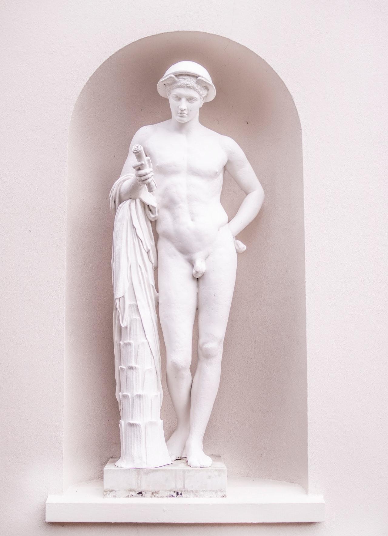 foto sochy nahého muže