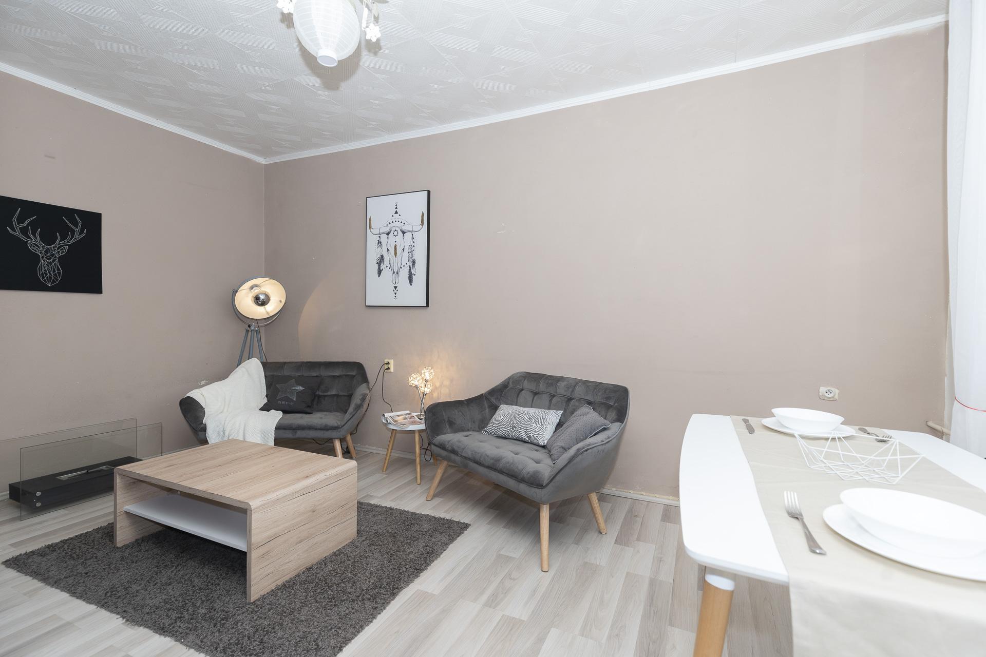 obývací pokoj s nábytkem