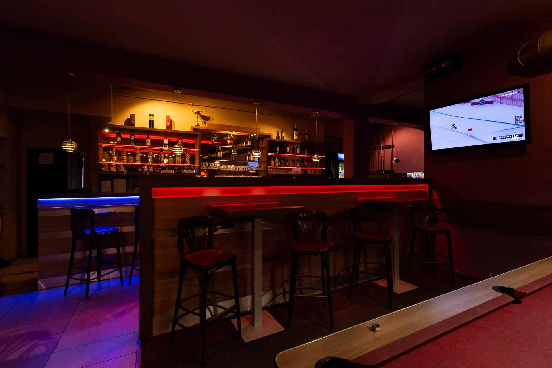 sportovní bar a TV komerčního prostoru Jana Palacha v Pardubicích